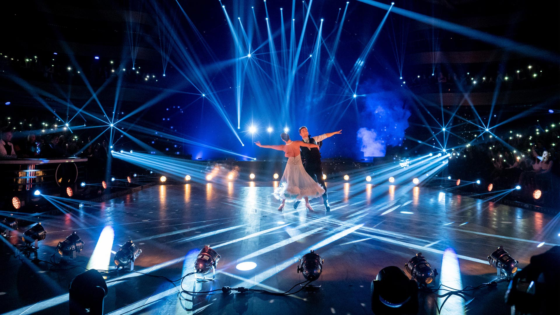 Assistez à l'émission Danse avec les stars présentée par Camille Combal et Karine Ferri