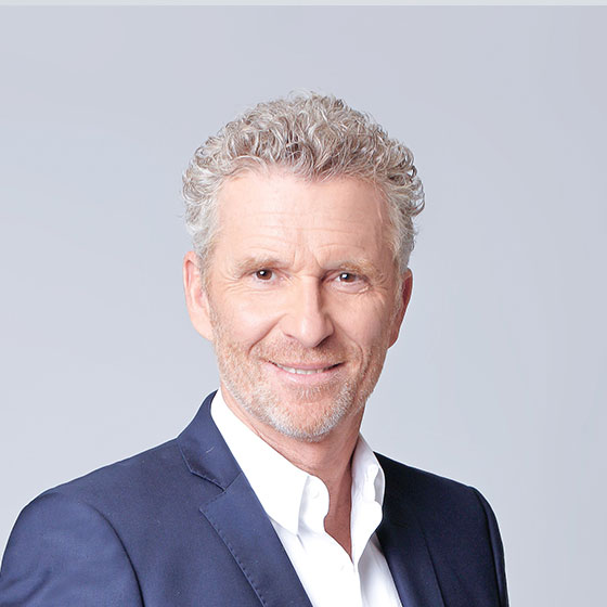 Denis Brogniart, présentateur sur TF1 : Koh-Lanta...