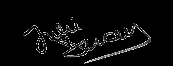 Visuel de la signature de Julie Denayer, journaliste et présentatrice sur TFX : Chroniques criminelles